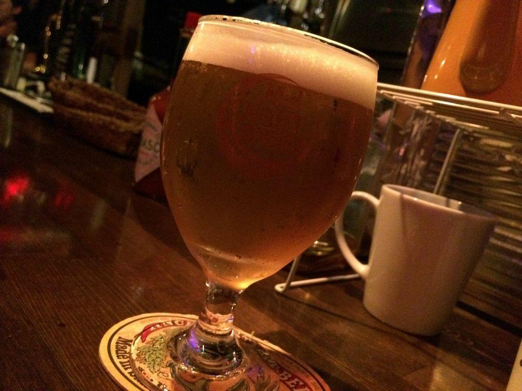 札幌,すすきの,Mid Night Bakery,ミッドナイトベーカリー,ビール