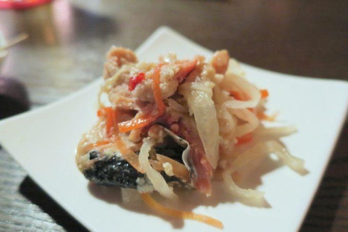 「クラフトビアバルジュン」で食べた鮭の飯寿し(400円)