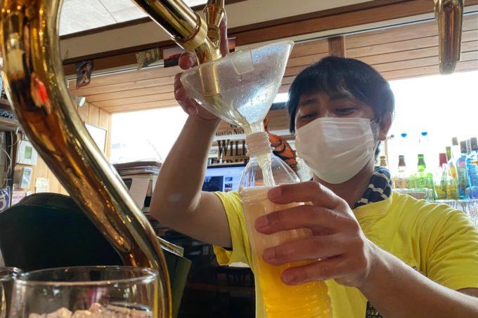 那覇・久茂地「Colosseo262(コロッセオニーロクニー)」期限付酒販免許を取得し、クラフトビールの量り売りを始めた。