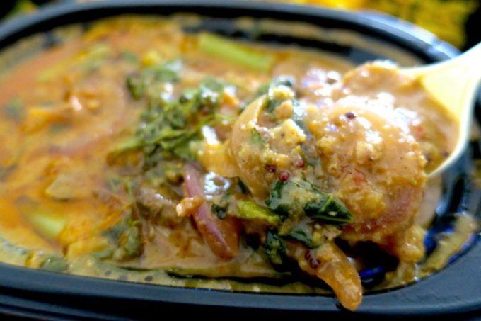 梅酒で煮込んだポークカレーのお肉がとっても柔らかい。
