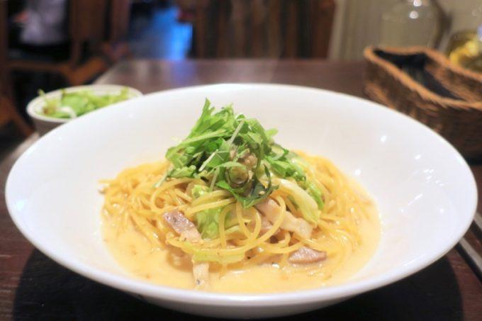 那覇・久茂地「グリーンパークカフェ(Green Park Cafe)」のパンツェッタとキャベツ(和風クリームソース、850円)