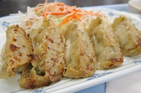 那覇空港(国内線1階)にある「空港食堂」もずく餃子