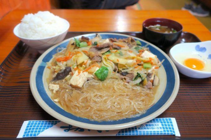 「定食 丸仲」のスキヤキ(850円)
