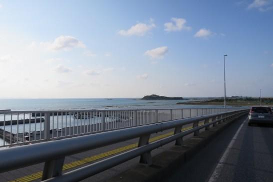 糸満側から瀬長島方面へドライブ。