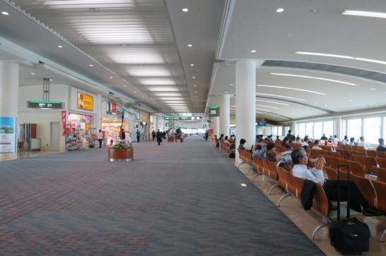 那覇空港,閑散期,GW前