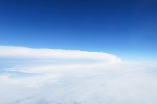 ピーチで台湾へ向かっている時に見えた青空
