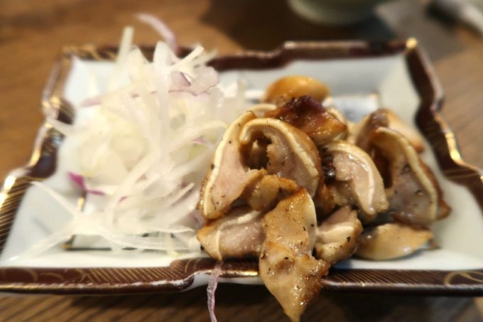 那覇・松尾「パーラー小やじ」豚のど軟骨燻製(400円)