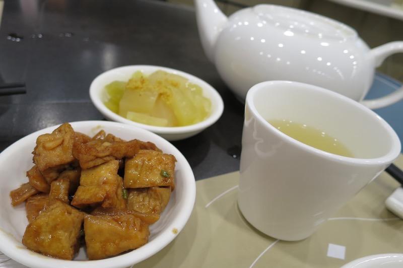 百樂潮州酒家,香港国際空港,中華料理