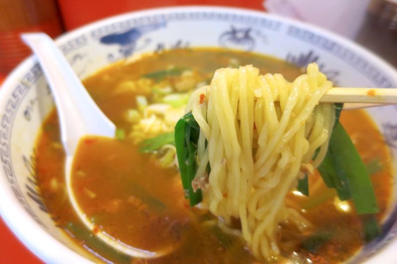那覇市曙「あけぼのラーメン」台湾ラーメンの麺