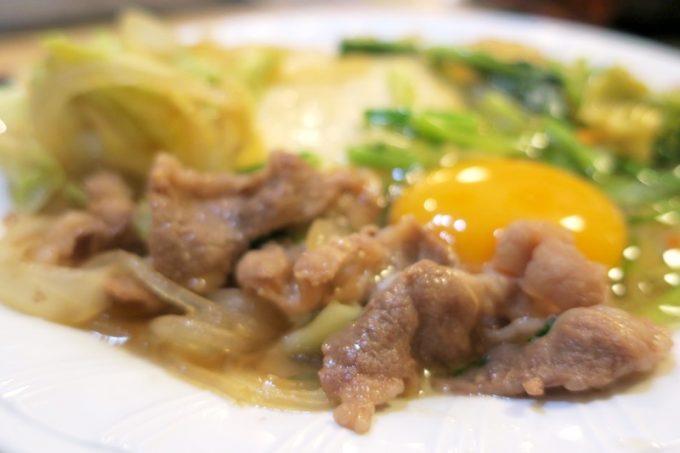 那覇・松山「お食事処みかど」のすきやきに入っているお肉は豚でした