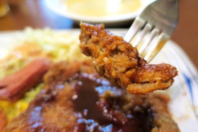 Cランチのトンカツの肉は薄めだが、ご飯が捗るおいしさ。