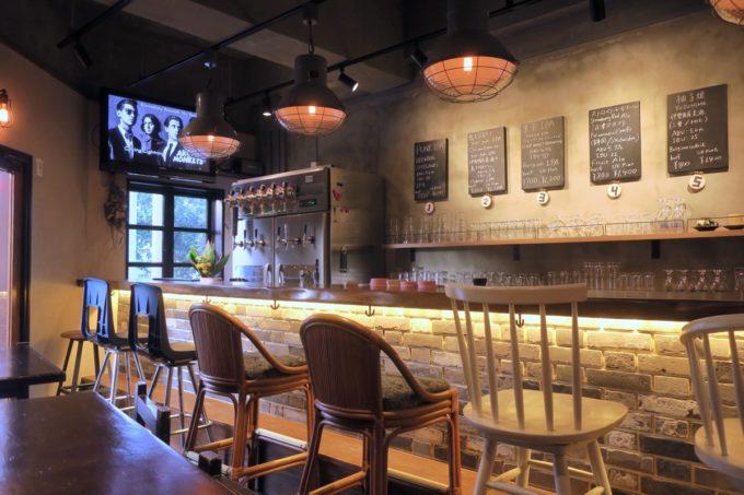 那覇・牧志「Beer bar Felt(フェルト)」リニューアルした店内の様子。
