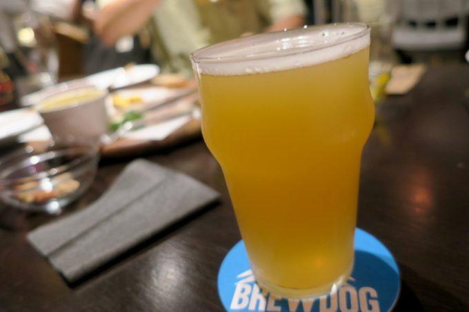 那覇・牧志「Beer bar Felt(フェルト)」伊勢角屋麦酒と鬼伝説ビールのコラボ、鬼も笑顔で gubigubi IPA(ハーフ、850円)