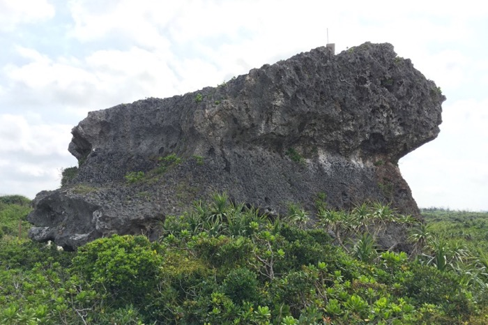 帯岩,下地島
