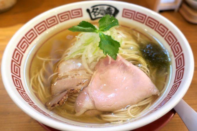 名嘉商店の塩らーめん(700円)