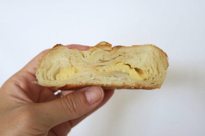 バナッシュには、バナナと自家製カスタードクリームをサンド。