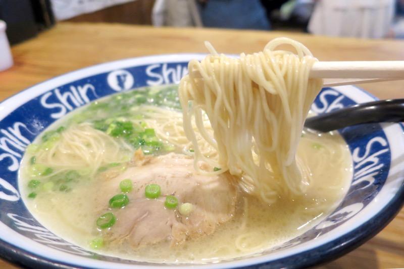 ShinShin,福岡,天神,博多ラーメン