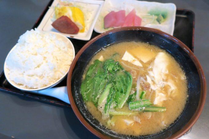 「ハイウェイ食堂」のみそ汁定食(700円)
