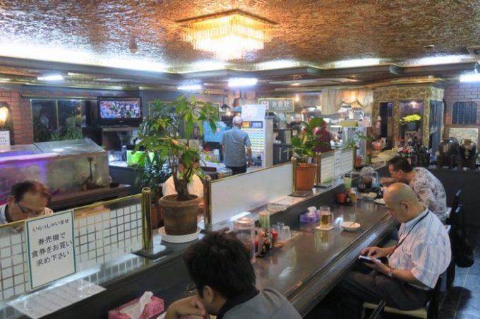「ハイウェイ食堂」の店内