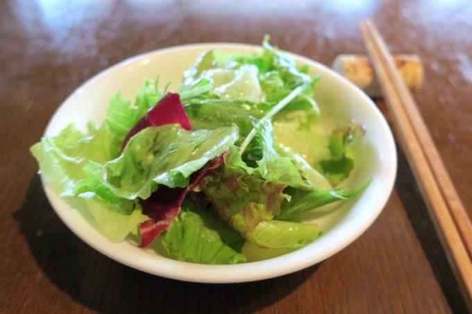 「僚屋DINING」ランチのサラダ