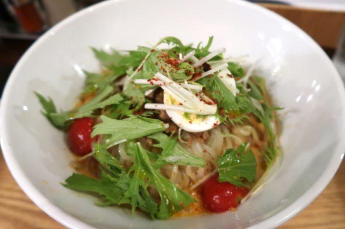 那覇・牧志「ちるり(Chillri)」の冷やし担々麺(920円)