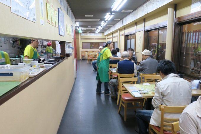 函館朝市「きくよ食堂 本店」の店内
