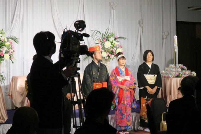 沖縄の結婚式にはカメラが多い。