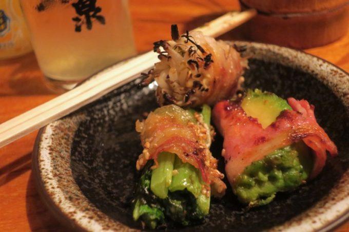 那覇・栄町「串焼き あだん 別館」は大人数でいろんな串が食べられるのが嬉しい。