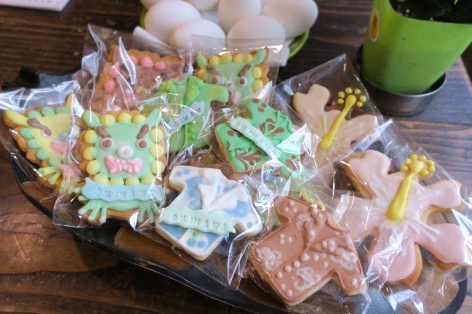 沖縄らしいアイシングクッキーの販売も。