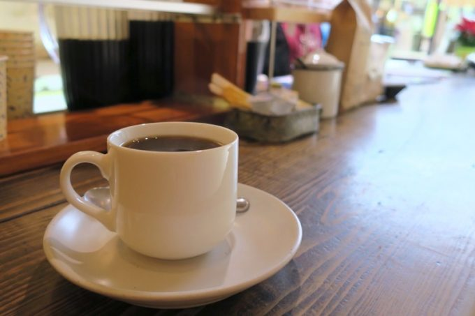 那覇・牧志「Cafe Street Chatancoffee(カフェストリート チャタンコーヒー)」のホットコーヒー(250円)