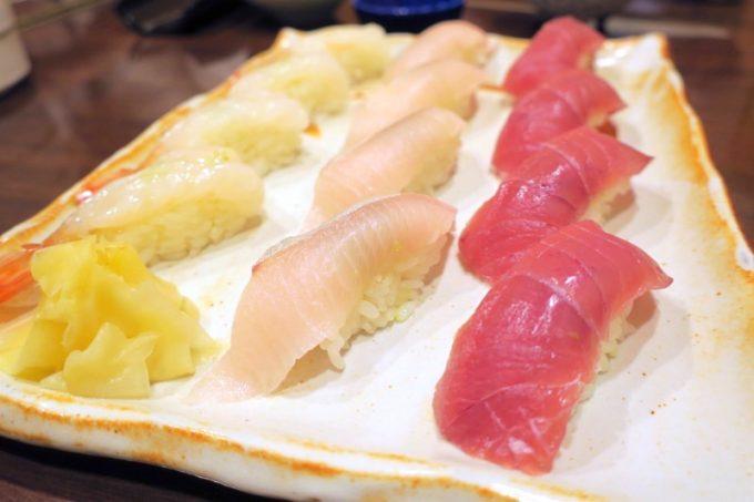 函館「いか清 本店」宴会コースの寿司