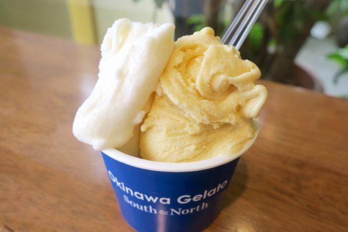 那覇・銘苅「サウスアンドノース」のジェラート(ジョンさんのクリームチーズとカスタードバニラ)