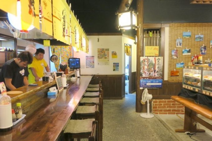 那覇・松山「街の惣菜屋さん」の店内
