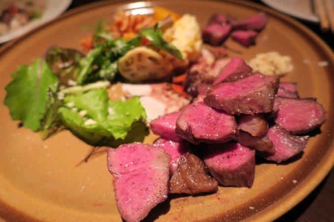 「パーラーアスナロ」の和牛とうがらしステーキ(650円)