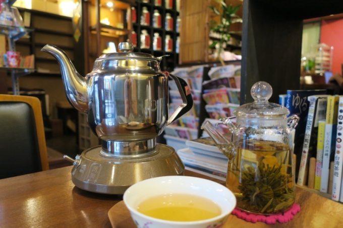 中国茶はお湯を足して数回楽しめる
