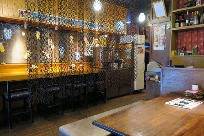 「中華居酒屋 三国」の店内
