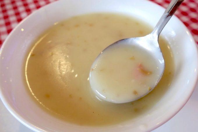 おいしいスープには、細かく刻まれた具が入っている