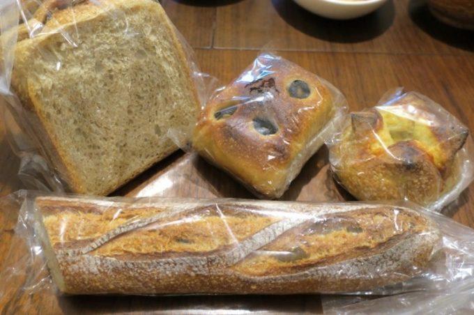 「宗像堂」で購入して来た4種類のパン