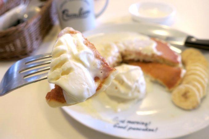 塩気のあるパニラニのパンケーキとバニラアイスは相性がいい