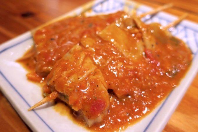那覇・栄町「トミヤランドリー」てっぽうカレー串煮込み(250円)