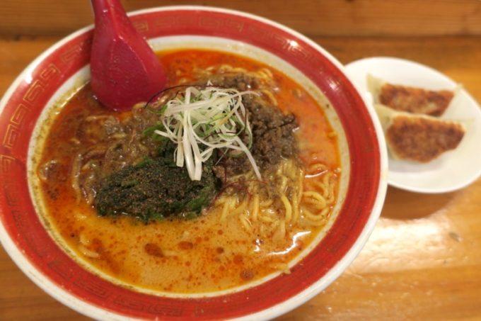 浦添・伊祖「大家 (ダージア)」四川担々麺(740円)と半餃子(170円)