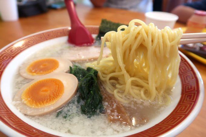 浦添・伊祖「大家 (ダージア)」大家らーめん(塩、720円)の麺を箸揚げしてみた