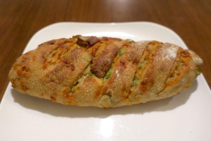 「いまいパン」の枝豆チーズ(240円)