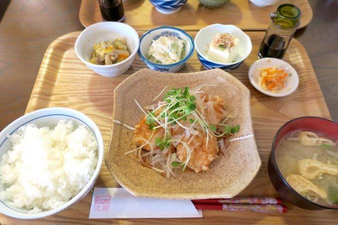 「リゾム」の鶏の竜田揚げ定食(850円)