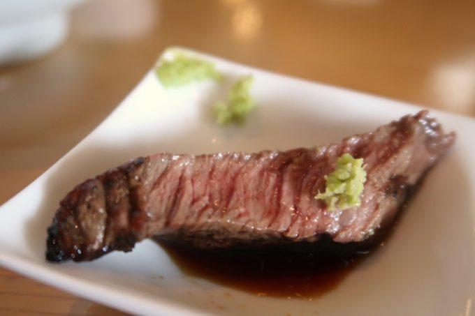 北谷「ストライプヌードルズ」ステーキとわさびもおいしい。