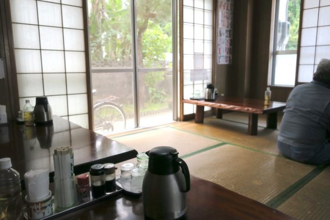「大衆食堂 泉」の店内(お座敷席)