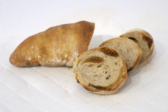 レーゲンスのいちじくドイツパン(160円0