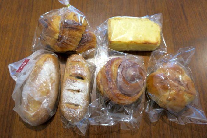 この日買って来たパンは6種類。