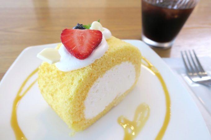 コメコのロールケーキ(350円)も単品で追加。