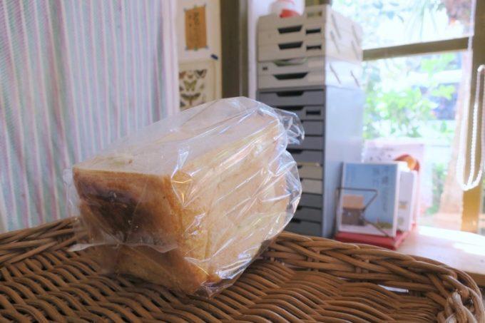 イッペコッペの食パンは、電話予約に限る。
